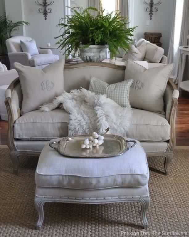 French style Pandora's Pretties French Country Living | Haus in