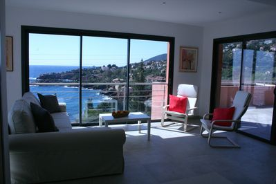 Apartments with 1/2 bedrooms, 5mn walk from beaches, breathtaking