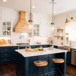 Hunter Green Compliments a Country Kitchen