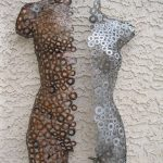 Metall-Wand-Kunst-Skulptur abstrakte Torso von Holly Lentz