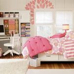 Small bedroom decorating ideas that are simple budget are not too many and not